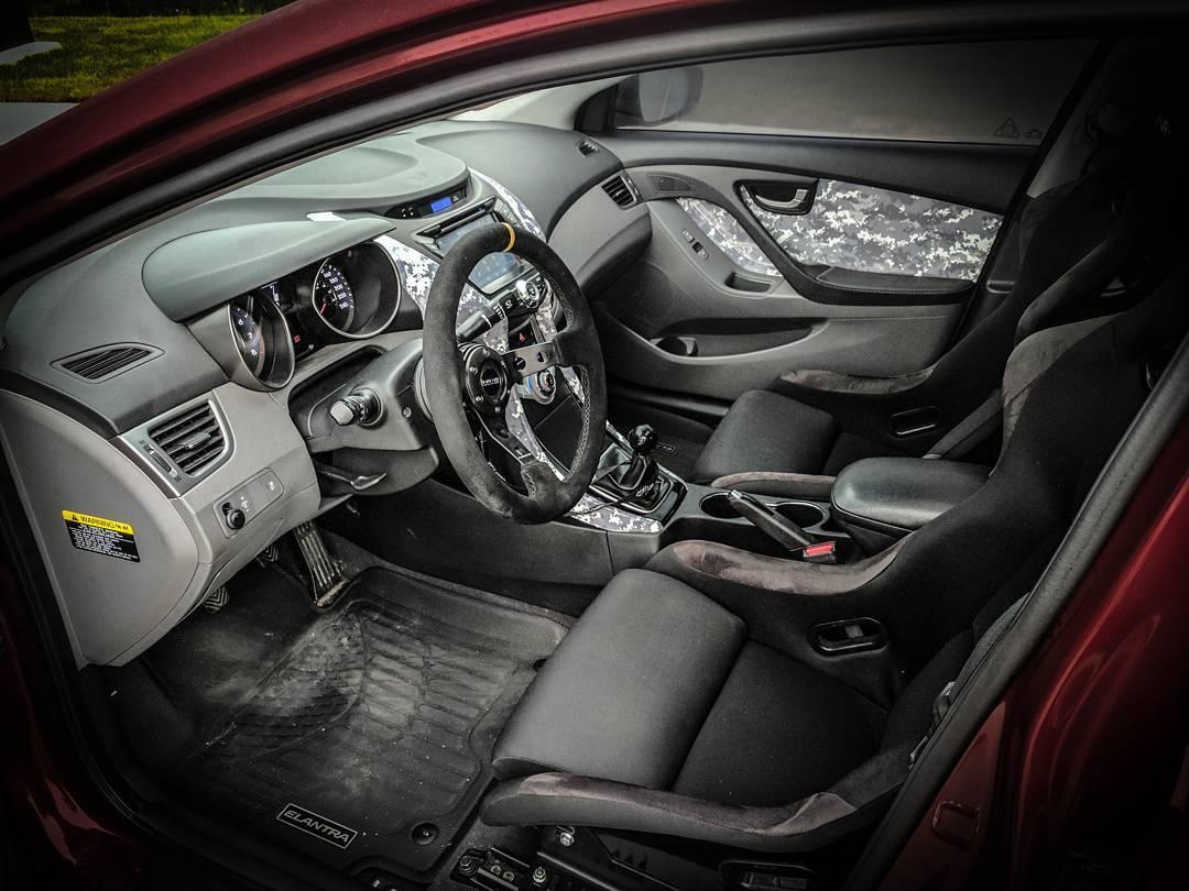 Wesley Couture 2011 Hyundai Elantra TBGLIVE5